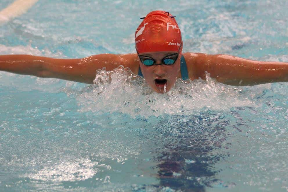 Jessica Davies swimming 50m Fly